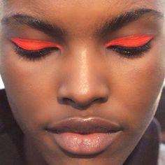 orange eyes, nude lips - beauty inspiration for GLOWLIKEAMOFO.com
