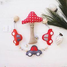 💛 von Hand mit Herz 💛 (@die_buntique) • Instagram-Fotos und -Videos Christmas Ornaments, Holiday Decor, Videos, Instagram, Home Decor, Photos, Nice Cars, Kids Wagon, Heart