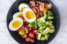 Recipe: Healthy bowl with salmon & eggs