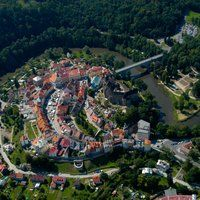 Medieval town Loket - part of our Karlovy Vary day trip. Book now with us !