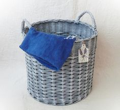 Koš s patinou Laundry Basket, Kos, Wicker, Home Decor, Decoration Home, Room Decor, Home Interior Design, Aries, Laundry Hamper