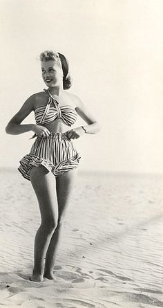 The cutest beachwear from the 1940s....reminds me of old photos of my mom as a young beauty.