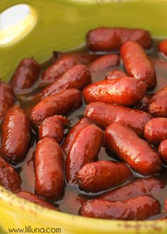 Super easy and delicious Brown Sugar Beanie Weenies - perfect for parties! Mini smokies baked with brown sugar and pineapple juice. Best Appetizer Recipes, Appetizers For Party, Easiest Appetizers, Dip Recipes, Party Snacks, Elegant Appetizers, Halloween Appetizers, Christmas Appetizers, Yummy Recipes