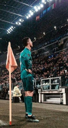 Looking up at the Gods. Cr7 Football, Real Madrid Football, Real Madrid Time dd6423a9e74