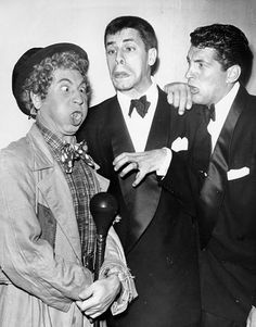 Jerry Lewis, Dean Martin, and Harpo Marx in The Colgate Comedy Hour Hollywood Icons, Hollywood Stars, Classic Hollywood, Old Hollywood, Jerry Lewis, Dean Martin, Classic Comedies, Classic Movies, Harpo Marx
