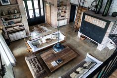 He was a former depot of railways - PLANET DECO a homes world Loft Interior, Industrial Interior Design, Industrial Living, Industrial Interiors, Interior Design Studio, Interior Architecture, Exterior Design, Interior And Exterior, Country Stil