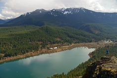 Rattlesnake Ledge Trail is a 4 mile out and back trail located near North Bend, Washington that offers scenic views and is good for all skill levels