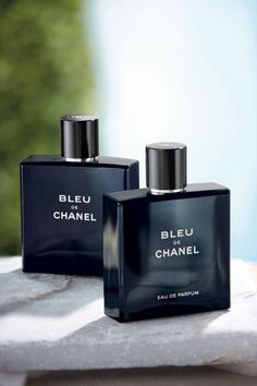 Mens Fragrance is a perfect gift for dad or the man in your life. Chanel – Bleu De Chanel – The woody, aromatic fragrance for men, now in a bold, sensual new Eau de Parfum. Gifts for him. Best Perfume For Men, Best Fragrance For Men, Best Fragrances, Perfume And Cologne, Perfume Bottles, Men's Cologne, Mens Perfume, Fahrenheit Parfum, Channel Perfume