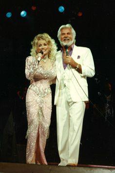 Burt Reynolds Still Owes Loni Anderson More Than $150K ...