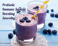 This wild blueberry keto vegan smoothie is perfect for a quick breakfast or a tasty afternoon snack. What makes it keto is that there are only a small amount of blueberries in it and all of the other ingredients are keto friendly. Fruit Smoothies, Oatmeal Smoothies, Healthy Smoothies, Blueberry Benefits, Smoothies Sains, Low Carb Bagels, Blueberry Oatmeal, Blueberry Drinks, Healthy Smoothie Recipes