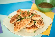 We know at our place, chicken nuggets are really popular, but our version is a little less naughty. The children have fun dipping them in the egg wash then into the crumbs. It can be a bit messy but it's a great way to get them eating unprocessed food. Chicken Nuggets, Fried Chicken, Honey Mustard Recipes, Panko Crumbs, 5 Ingredient Recipes, Quick Easy Dinner, Unprocessed Food, Food Festival, Salmon Burgers