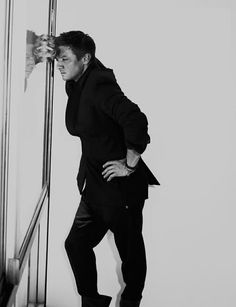 Jeremy Renner - trying to spread around my pins of Jeremy so people don't think i'm a stalker...god he's beautiful