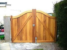 How to Build a Driveway Gate for a Fence thumbnail