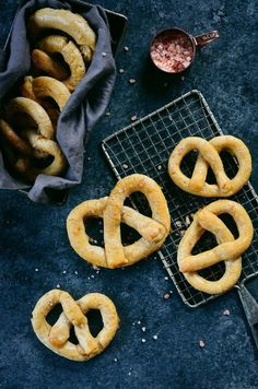Best easy paleo soft pretzels are timeless and taste like the real deal! An easy grain free recipe for soft pretzels. Gluten free, dairy free, and no yeast! Nut Free, Grain Free, Dairy Free, Pretzel Recipe For Kids, Gluten Free Pretzels, Soft Pretzels, Paleo Treats, Paleo Breakfast, Paleo Diet
