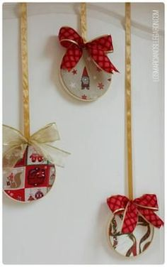 It's also beneficial to craft your Fun Christmas Decorations For Your Home - firstmineIdeas que mejoran tu vida Easy Christmas Decorations, Christmas Ornament Crafts, Christmas Art, Outdoor Christmas, Rustic Christmas, Simple Christmas, Diy Cadeau Noel, Cd Crafts, 242
