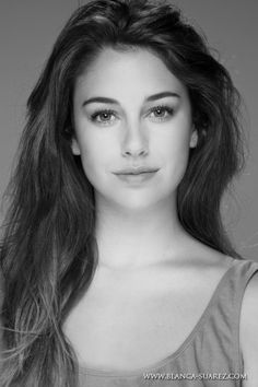 Blanca Suarez- I absolutely love and envy her hair girls Most Beautiful Faces, Beautiful Eyes, Gorgeous Women, Beautiful People, Photo Portrait, Portrait Photography, Spanish Woman, Spanish Girls, Spanish Actress
