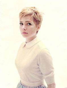 Michelle Williams Pixie Haircut Pictures Really like this cut.