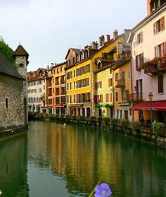 When it comes to the ultimate romantic French weekend getaway, few towns can surpass Annecy. Some place new and exciting! Romantic Places, Romantic Vacations, Romantic Getaways, Romantic Travel, Dream Vacations, Places To Travel, Places To See, Francia Paris, Annecy France
