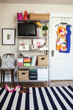 7 Ways To Organize Using Wire Shelving // bedroom extra storage using metro shelves