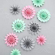DIY mini paper medallions + template