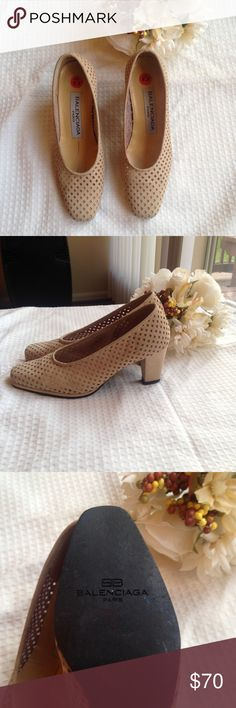 BALENCIAGA nude pumps Gorgeous Balenciaga Italian pumps. In great condition. No box. Heel height of 3 in. Size 5.5 but fit to 6. Balenciaga Shoes Heels