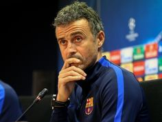 Barcelona boss Luis Enrique 'had to be restrained during row with journalist' #Barcelona #Football