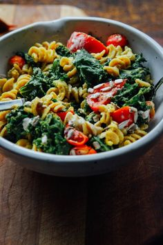 This Rawsome Vegan Life: CREAMY VEGAN MAC + CHEESE with OTHER GOOD STUFF [pinned for the 'cheese' sauce]