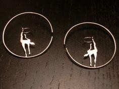 Mira este artículo en mi tienda de Etsy: https://www.etsy.com/es/listing/461659492/gimnasta-con-aro-de-plata