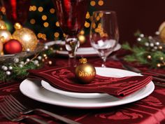 Cenone di Natale a casa Vostra quest'anno? Ecco 15 idee per apparecchiare la tavola! Ispiratevi…