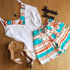 A imagem pode conter: 1 pessoa Short Outfits, Summer Outfits, Casual Outfits, Cute Outfits, African Dresses For Kids, African Wear, Girls Haircuts Medium, Girl Fashion, Fashion Outfits