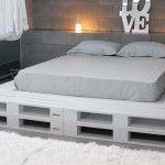 DIY Chic White Platform Pallet Bed