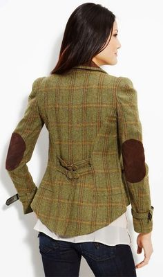 FIELDCOAT Womens Tweed Jacket. Oh hay grrrl! | The Clothes Horse