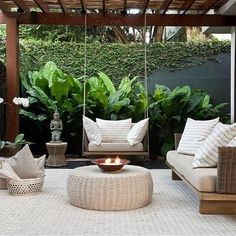 25 Comfy Patio Design Ideas With Style That Can Make Your Backyard More Perfect Backyard Patio Designs, Backyard Landscaping, Modern Pergola Designs, Landscaping Ideas, Back Gardens, Outdoor Gardens, Outdoor Rooms, Outdoor Living, Balkon Design