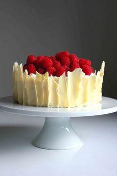 Lemon Raspberry Sponge Cake with White Chocolate Shards - http://www.pindandy.com/pin/1758/