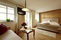 Hotel SONNHOF - Zimmerbeispiel Hotels, Das Hotel, Wellness, Bed, Furniture, Home Decor, Environment, Decoration Home, Stream Bed