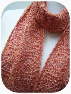 @ Betsy Makes ....:  Free pattern for pretty Peachy Scarf