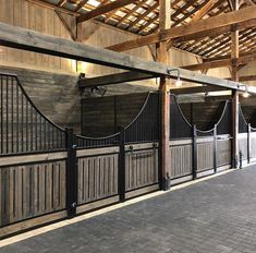 Horse Care Tips Barn hacks Barn ideas Stable Equestrian Stables, Horse Stables, Horse Farms, Horse Horse, Dream Stables, Dream Barn, Horse Barn Designs, Barn Stalls, Horse Barn Plans