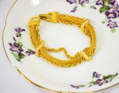 Vintage Gold Tone Bracelet| Vintage Goldette| Vintage Bracelet| Vintage Faux Pearl Bracelet| Gift For Her| Mom Gift| 1960