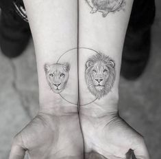 These couple tattoos ideas helps you to show off your love to the world. Here we share 34 lovely matching tattoos for couples and lovers. Compass Tattoo, Arm Tattoo, Sleeve Tattoos, Trendy Tattoos, Popular Tattoos, Tattoos For Women, Tattoo Casal, Cute Animal Tattoos, Vogel Tattoo