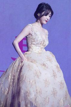 A queen 💜 Iu Fashion, Korean Fashion, Korean Celebrities, Celebs, Korean Actresses, Korean Artist, Korean Outfits, Queen, Korean Singer