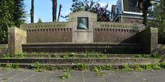 Monument industrieel Jan Evert Scholten (1848-1918). Helperbrink. Groningen. The Netherlands. Enig zoon van W.A.Scholten.