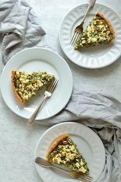 Spinach, Ricotta & Feta Quiche (Spanakopita Tart)