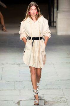 Guarda la sfilata di moda Isabel Marant a Parigi e scopri la collezione di abiti e accessori per la stagione Collezioni Primavera Estate 2017.