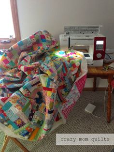 Working your way around the quilt:  crazy mom quilts: Machine Quilting 101: