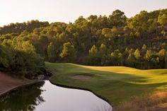 Otro de los parajes espectaculares para practicar golf en Mallorca: Golf Bendinat