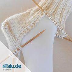 Baby Knitting Patterns Slippers Knitting socks – the heel – simple DIY instructions – Talu. Knitting Socks, Free Knitting, Knitted Hats, Knit Socks, Baby Knitting Patterns, Crochet Patterns, Crochet Baby, Free Crochet, Knit Crochet