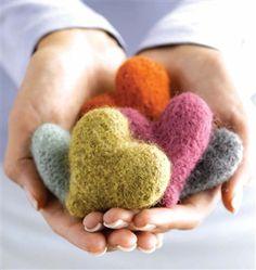 Felted Heart Milagros knitting pattern free on Knitting Daily Knitting Daily, Knitting For Charity, Knitting Patterns Free, Free Knitting, Free Pattern, Diy Laine, Little Presents, Felt Hearts, Heart Patterns