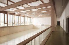 Menzi Bürgler Architekten - Sporthalle und Bühnensaal, Matzendorf