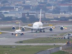 """Universal-Sci on Twitter: """"A Boeing 737 (typical airplane for domestic flights) in front of an Airbus A380… """""""