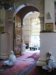 باب الرحمة..وهو أحد أبواب المسجد فى عهد حبيبى رسول الله..